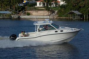 New Boston Whaler 315 Conquest Walkaround Fishing Boat For Sale