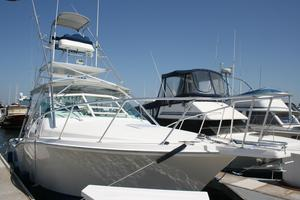 Used Cabo 31 Express W/ Tower Express Cruiser Boat For Sale