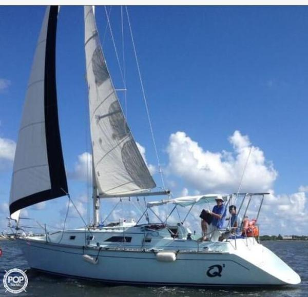 Used Hunter DEEP 31 Racer and Cruiser Sailboat For Sale