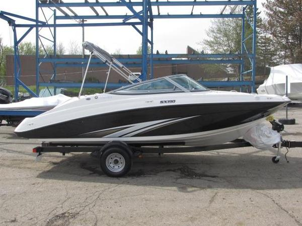 New Yamaha SX190 Ski and Wakeboard Boat For Sale