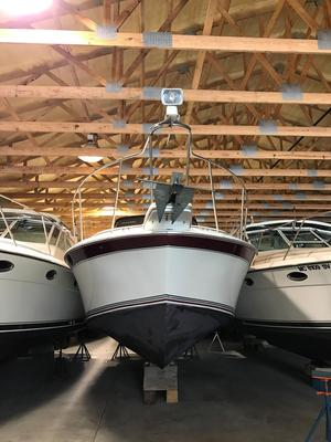 Used Trojan 8.6 Meter Mid-cabin Express Cruiser Boat For Sale