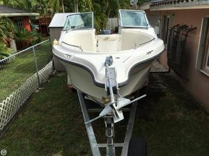 Used Seaswirl 2101 Striper Dual Console Cruiser Boat For Sale