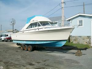 Used Chris-Craft 31 Commander Sports Fishing Boat For Sale