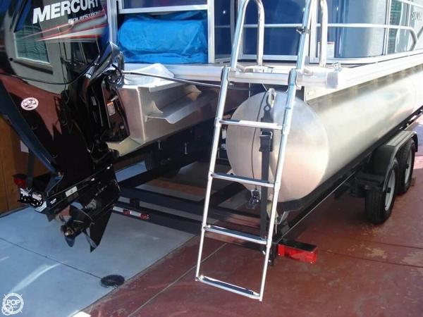 Used Sylvan 8522 Mirage Pontoon Boat For Sale