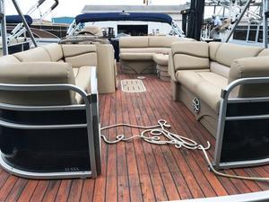 Used Bennington Marine 22SSX Pontoon Boat For Sale