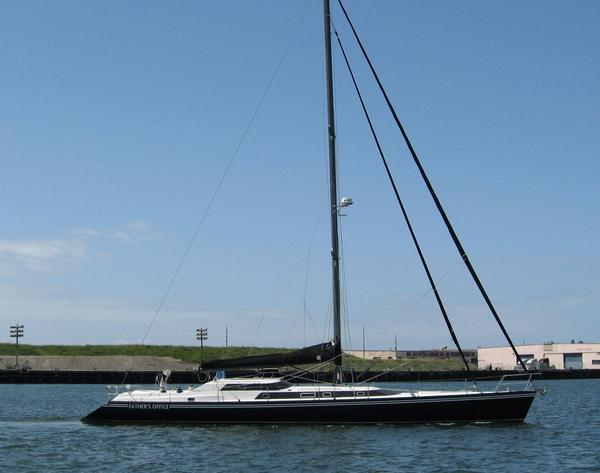 Used Macgregor 65 Pilothouse Racer and Cruiser Sailboat For Sale