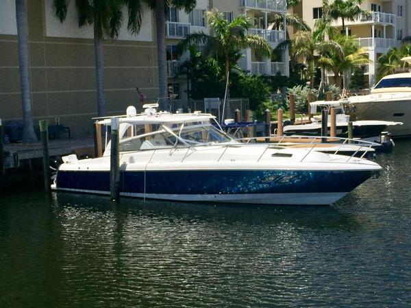 Used Intrepid 475 Sport Yacht Repowered Express Cruiser Boat For Sale