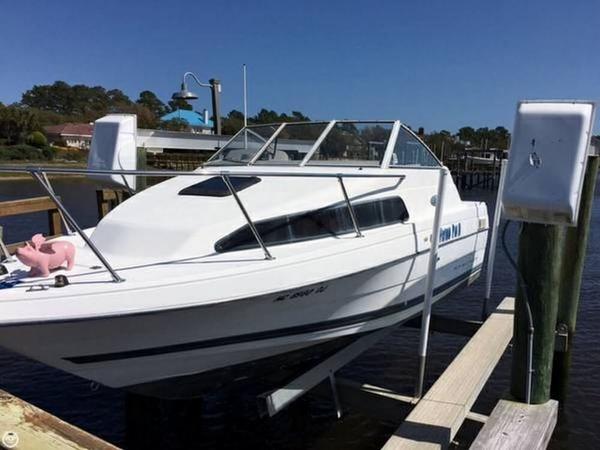 Used Bayliner Ciera Express 2252 Express Cruiser Boat For Sale