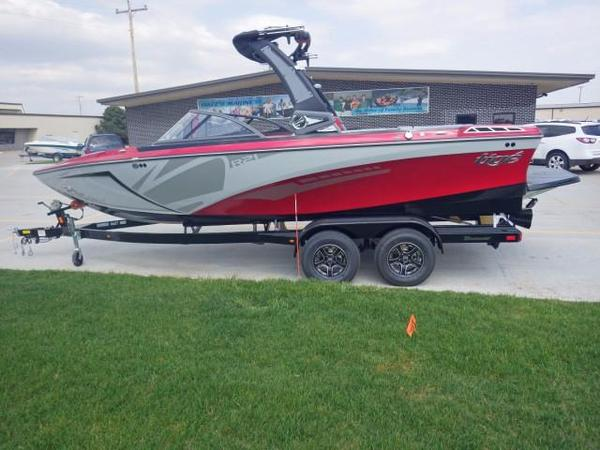 New Tige R21 Ski and Wakeboard Boat For Sale