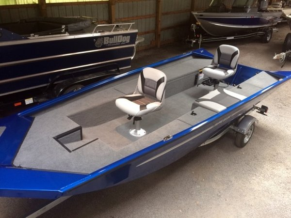 New Alumacraft Crappie Deluxe Sports Fishing Boat For Sale