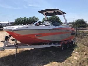 Used Malibu M235 Ski and Wakeboard Boat For Sale