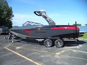 New Malibu Boats Llc 22 VLX Ski and Wakeboard Boat For Sale