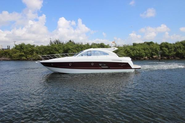 New Beneteau 49 GT Hard Top Express Cruiser Boat For Sale