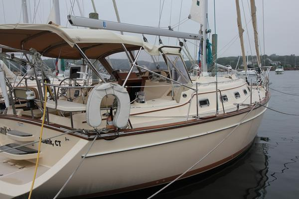 Used Island Packet 370 Cruiser Sailboat For Sale