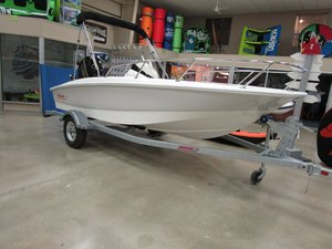 New Boston Whaler 150 Super Sport Ski and Wakeboard Boat For Sale