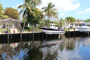 Used Regulator Power Center Console Fishing Boat For Sale