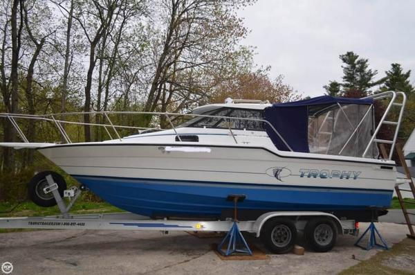 Used Trophy 2459 Walkaround Fishing Boat For Sale