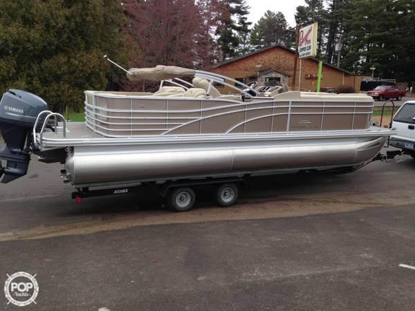 Used Bennington 2375RCW Pontoon Boat For Sale