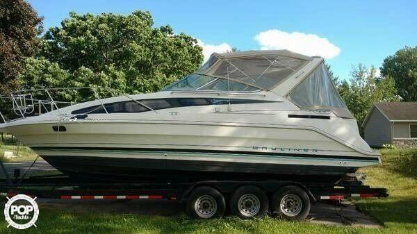 Used Bayliner CIERA 2855 SB Express Cruiser Boat For Sale