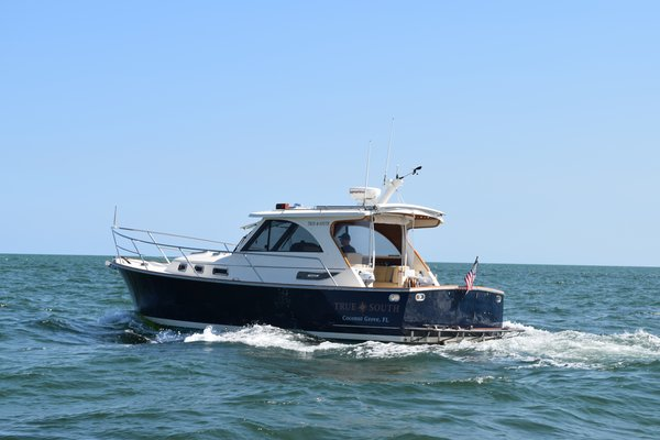 Used Legacy Yachts Sports Fishing Boat For Sale
