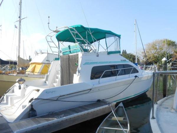 Used Mainship Sedan Sports Cruiser Boat For Sale