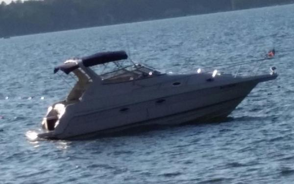 Used Regal Commodore 2860 Cruiser Boat For Sale