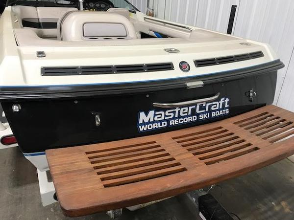 Used Mastercraft ProStar 190 Runabout Boat For Sale