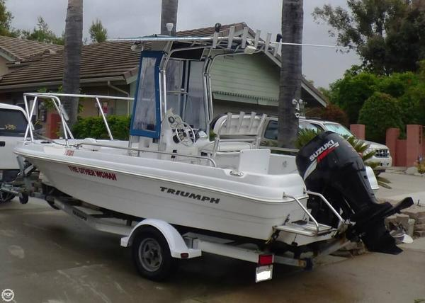 Used Triumph 190 Bay Center Console Fishing Boat For Sale