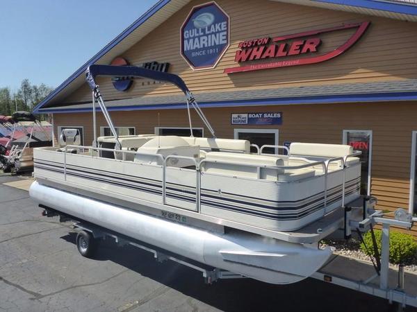 Used Smokercraft 22' Fish/Cruiser Pontoon Boat For Sale