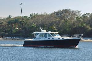 New Sabre 45 Salon Express Motor Yacht For Sale