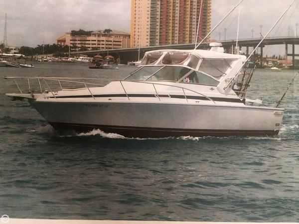 Used Bertram Moppie 30 Express Cruiser Boat For Sale
