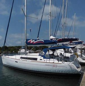Used Beneteau Oceanis 37 Racer and Cruiser Sailboat For Sale