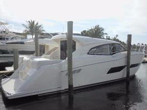 Used Carver C43 Coupe Motor Yacht For Sale