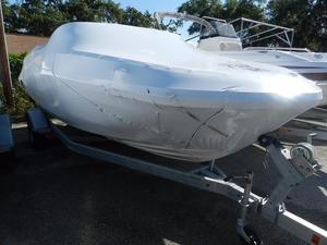 New Bayliner VR5 Deck Boat For Sale