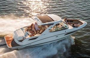 New Sea Ray SLX 350 Bowrider Boat For Sale