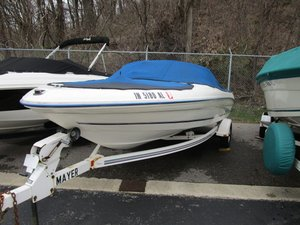 Used Sea Ray 175 Ski and Wakeboard Boat For Sale
