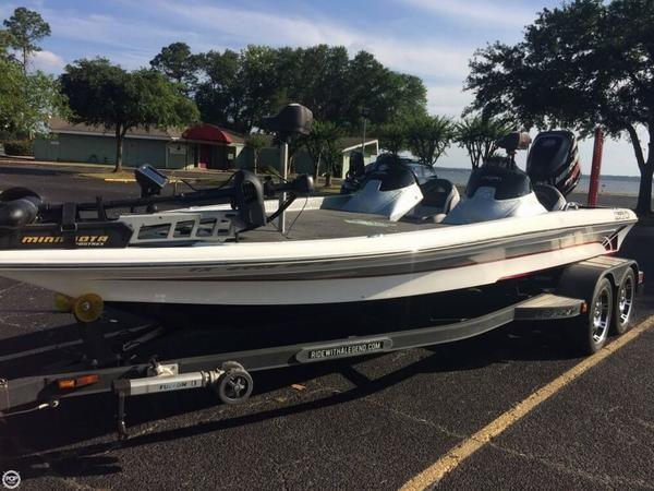 Used Legend Alpha 211 Bass Boat For Sale