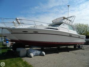 Used Sea Ray SVR 390 Sports Fishing Boat For Sale