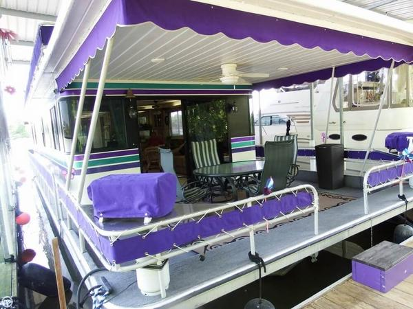 Used Leisure Time 16 x 62 House Boat For Sale
