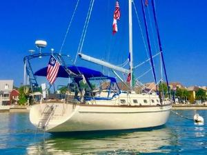 Used Island Packet Yachts 420 Center Cockpit Sailboat For Sale