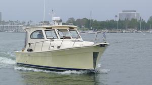 Used Mainship 30 Pilot II Sedan Express Cruiser Boat For Sale