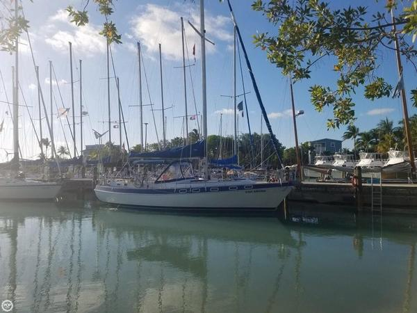Used Morgan Classic Racer and Cruiser Sailboat For Sale