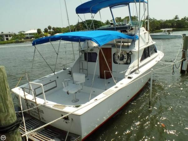 Used Bertram 28 Sport Fish/ Flybridge Sports Fishing Boat For Sale