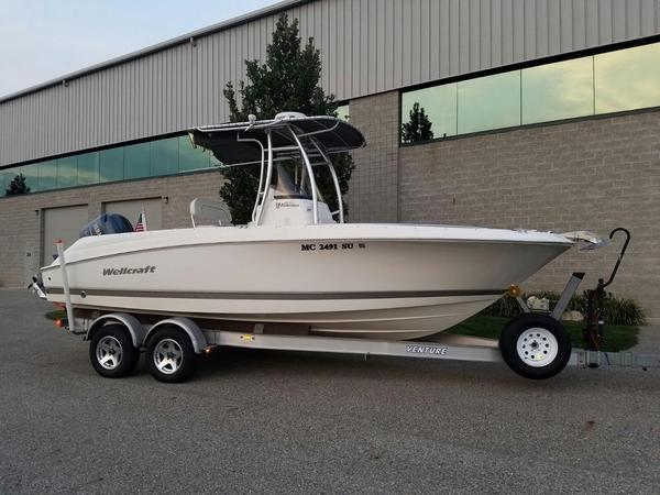 Used Wellcraft 232 Fisherman Freshwater Fishing Boat For Sale