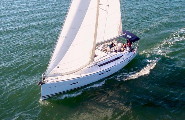 Used Jeanneau 409 Sloop Sailboat For Sale
