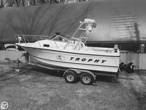 Used Trophy 2052 Walkaround Fishing Boat For Sale