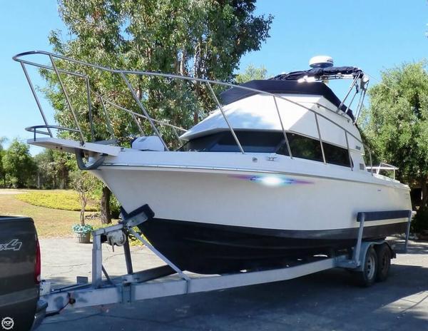 Used Skipjack 26 Flybridge Sports Fishing Boat For Sale