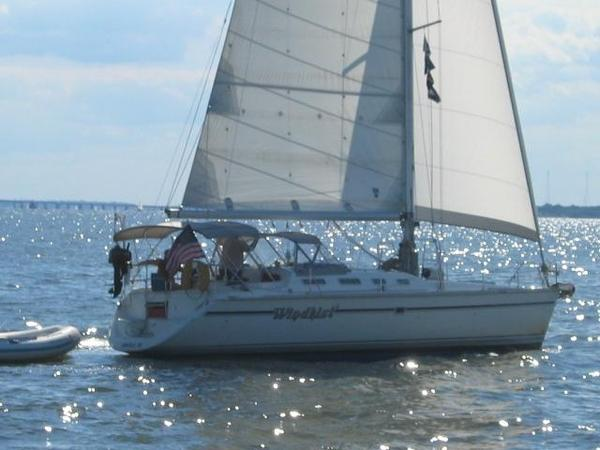 Used Hunter 433 Racer and Cruiser Sailboat For Sale