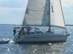 Used Hunter 433 Cruiser Sailboat For Sale