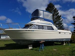 Used Chris Craft Catalina 292 Sunbridge Flybridge Boat For Sale